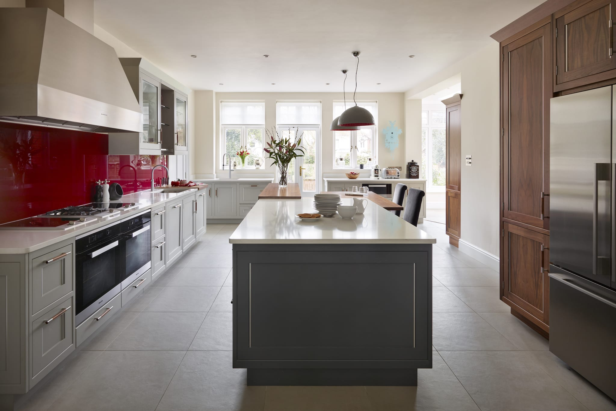 Please visit our Belgravia collection page to find out more about this contemporary kitchen style. & Case Studies | Modern Classic | Davonport Kitchens