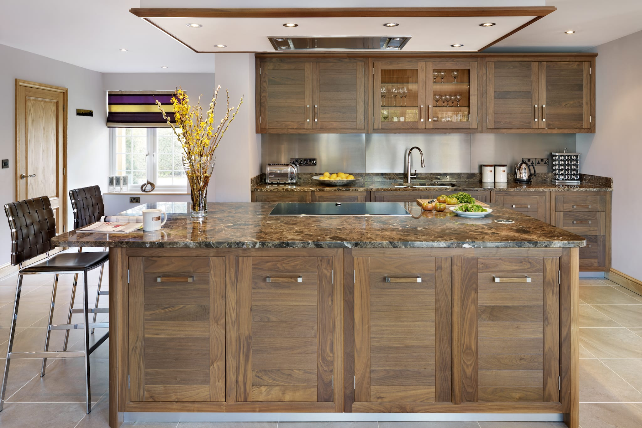 Kitchen Color Schemes With Walnut Cabinets | Wow Blog
