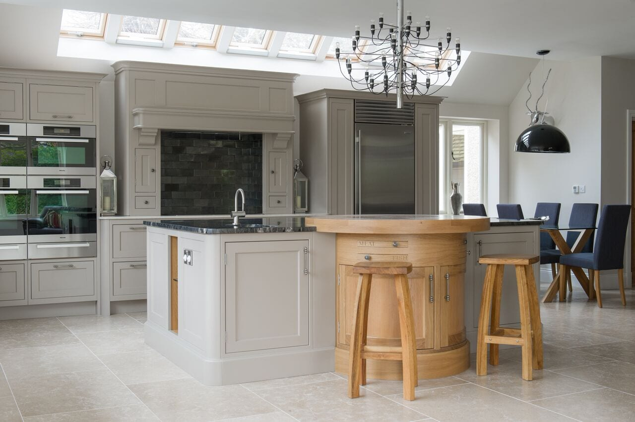 Wondrous Maximising The Space In Your Kitchen Storage Options To Home Interior And Landscaping Pimpapssignezvosmurscom